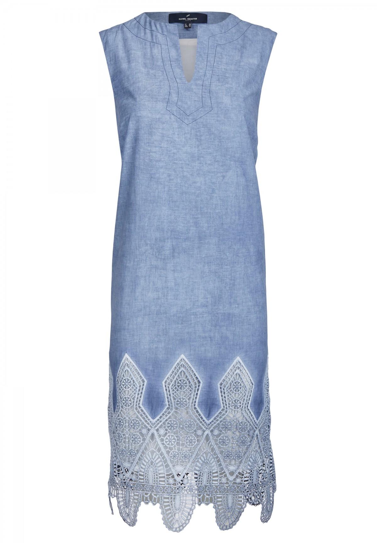 Süßes Kleid mit Spitze / Dress