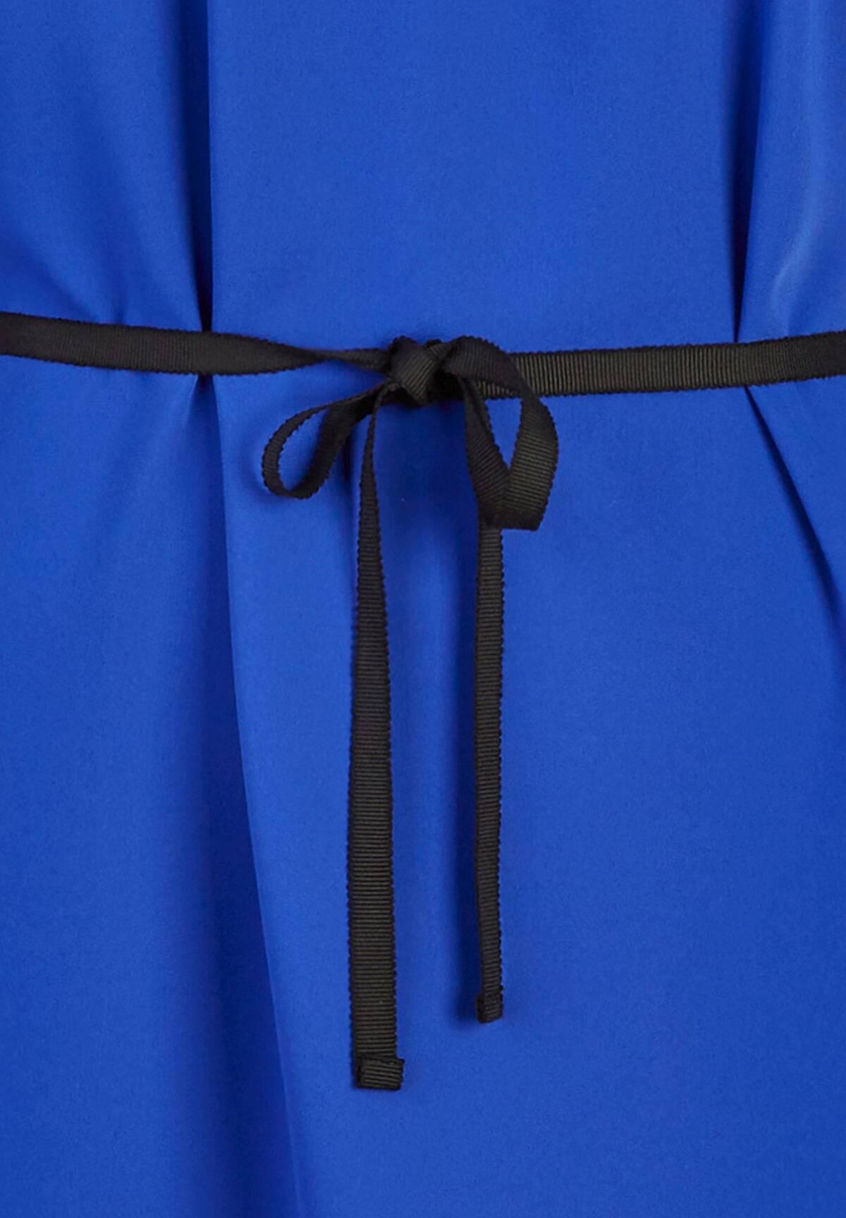 Robe fluide mi-longue /
