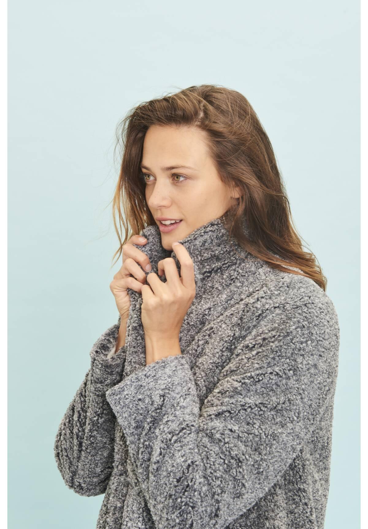 Trendiger Mantel / Coat